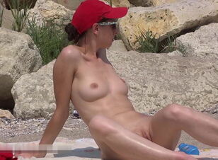 Nudist beach ni shuugakuryokou de  in school trip to the nudist beach